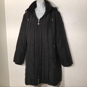 Liz Claiborne Black Down Puffer Coat. M